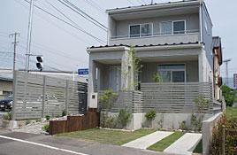 敷地と建物をひとつの空間としてデザインします