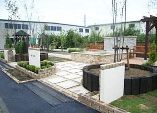 事務所跡地を活用した本格ガーデンスペース